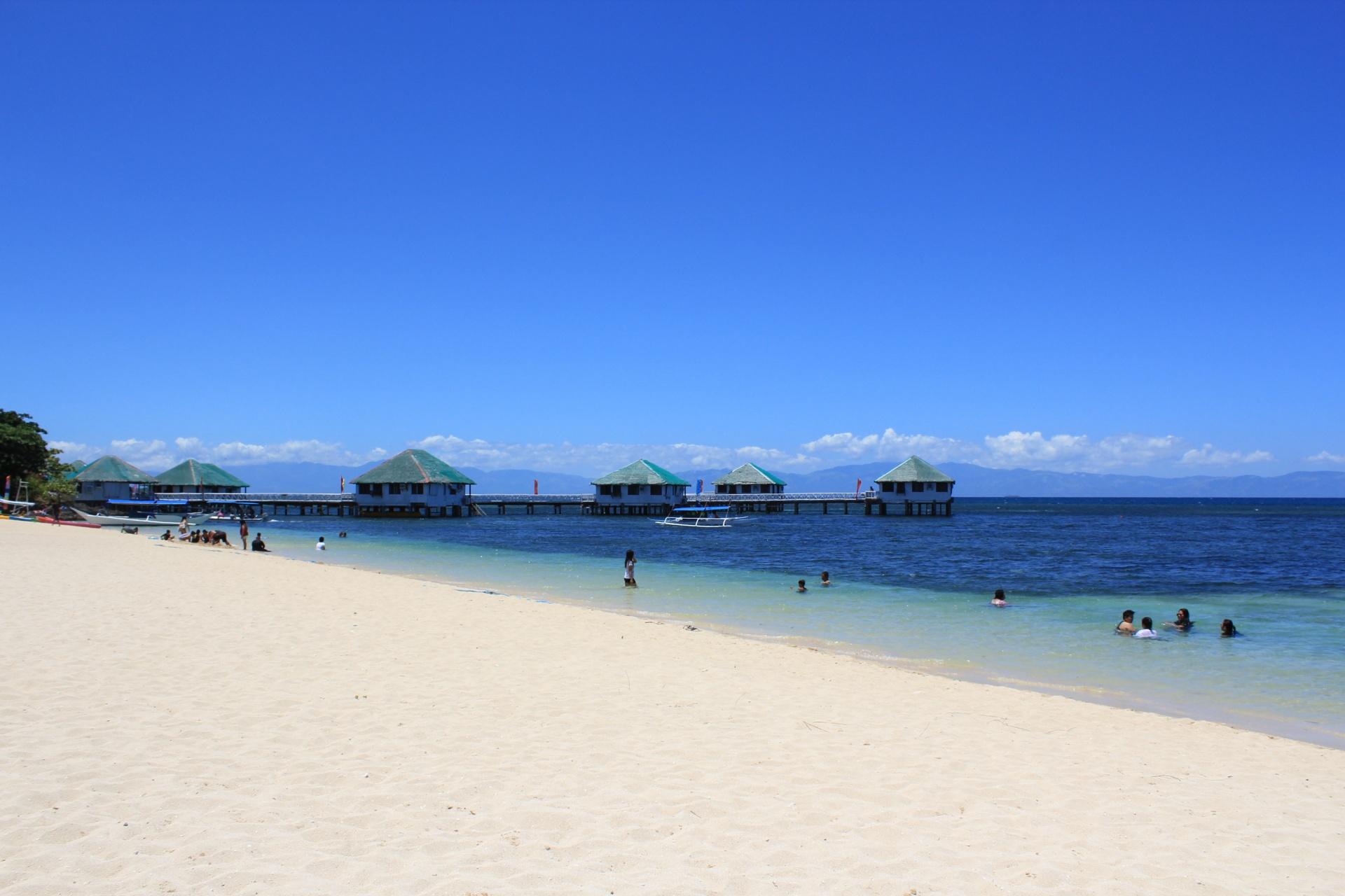 Why You Should Choose A Batangas Beach Resort Near Manila For A Quick Getaway